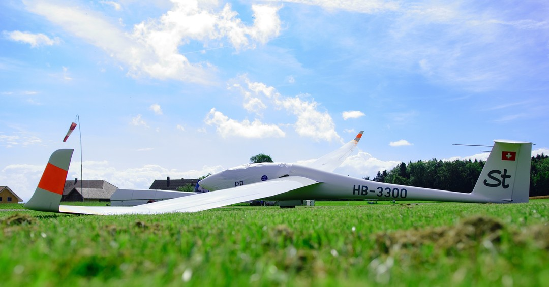 Be prepared, when the first cumulus clouds of the day appear #gliding #soaring #segelfliegen #discus2 #aviation #instaviation #pilotlife #sgzuerich