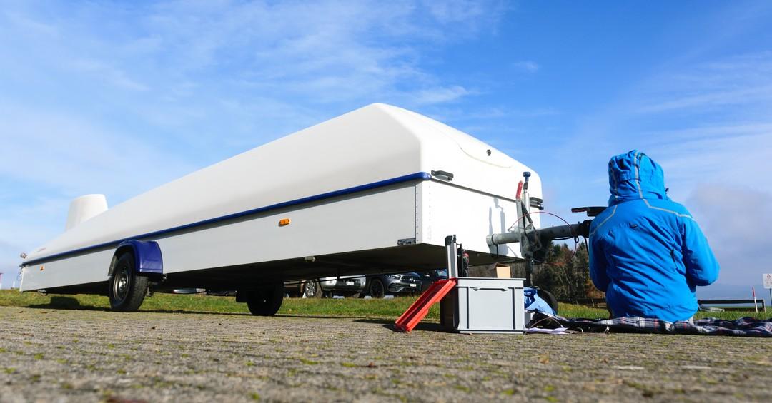 Used the time before the snow came for trailer maintenance.#cobratrailer #gliding #soaring #segelflug #segelfliegen #aviation #instaviation #sgzuerich